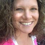 Jen Degl headshot